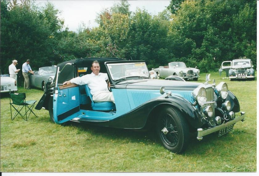 Speed 25 with Idris Francis at South East Alvis Day 2001