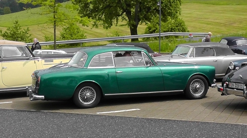 27373 TF21 Mulliner Park Ward FVC896D was an Alvis works demonstrator and completed over 1600 miles with no problems