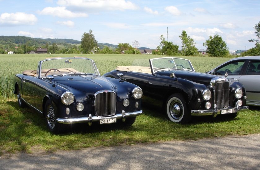 TD21 and TA21 cabriolets - Photo John Fox