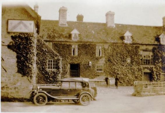 12-50 (MB 7425) at the Three Cocks Coaching Inn, Glasslyn near Talgarth, May 1926