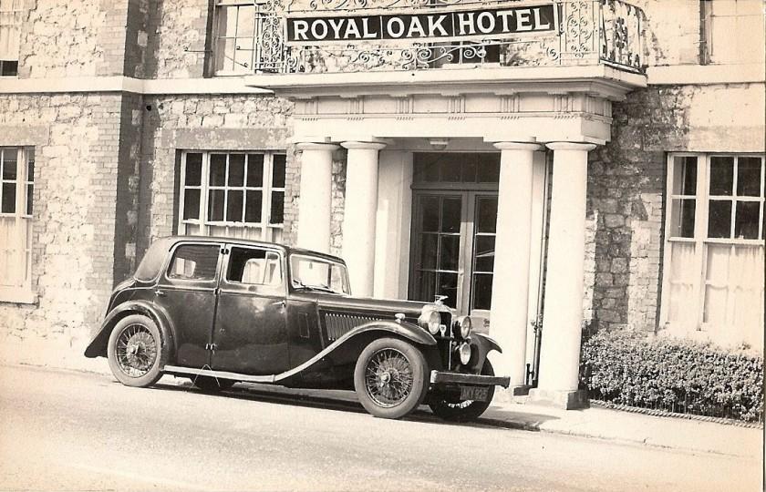 13622 Firebird saloon pictured in 1965 in Sevenoaks [Doug Woodrow Collection]