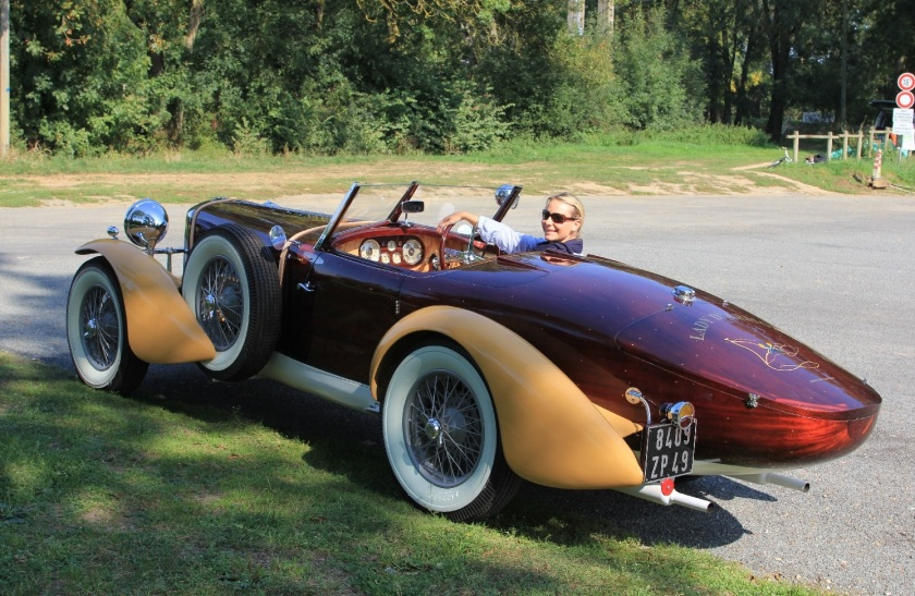 Perhaps the finest TA 14 Special is to be found today on the French roads. Created from a dilapidated and rather unsightly TA 14 Special, this car is the result of thousands of hours of painstaking work to produce a stunning 2 seater mahogany duck's back.